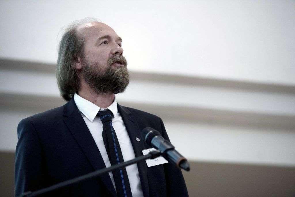 Budapest, 2017. május 22. Horváth Péter, a Nemzeti Pedagógus Kar (NPK) elnöke beszédet mond az NPK országos szakmai konferenciáján Budapesten, az ELTE Gömb aulájában 2017. május 22-én. MTI Fotó: Koszticsák Szilárd