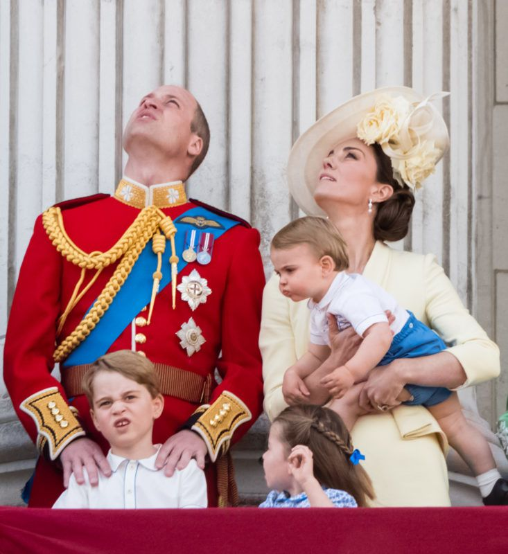 LONDON, ENGLAND - JUNE 08: Prince Louis, Prince George, Prince William, Duke of Cambridge, Princess Charlotte and Catherine, Duchess of Cambridge appear on the balcony during Trooping The Colour, the Queen's annual birthday parade, on June 08, 2019 in London, England. (Photo by Samir Hussein/WireImage)